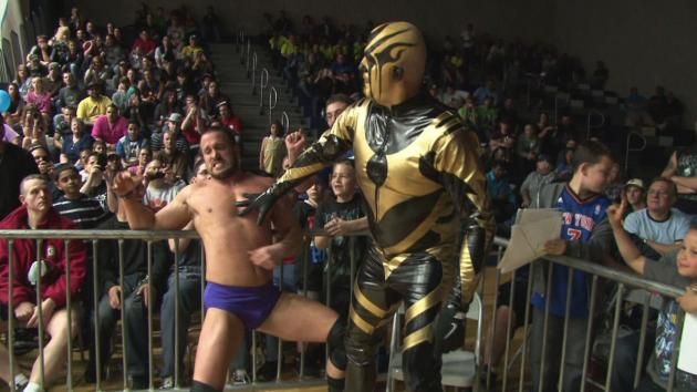Goldust vs. Mike Bennett
